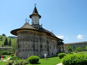 manastire, pictura exterioara, biserica