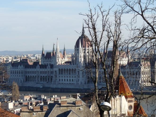Parlamentul, două treimi